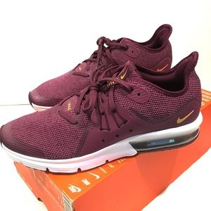 Nike Air Max Sequent 3 size 8.5